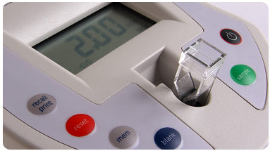 The OD600 DiluPhotometer™ has been designed for the spectrophotometric analysis of bacterial and yeast growth rates and the quantification of proteins at a wavelength nearby 600 nm (e.g. Bradford). The instrument is battery operated and can be easily transported for usage in incubation cabinets and under anaerobic conditions. The batteries last for almost 1 month when fully charged. A 600nm LED source in combination with a fiber optic is used to obtain the optical density measurement. Spills can be easily wiped from the surface, and the cell compartment area can be rinsed with, formaldehyde or ethylene oxide to sterilize it.
